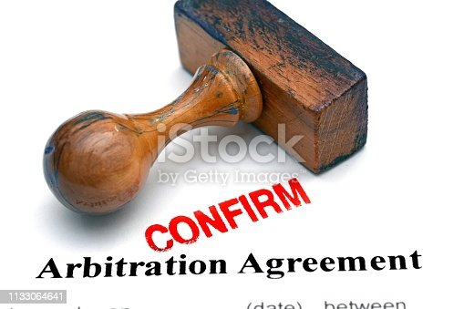 istock Arbitration agreement 1133064641