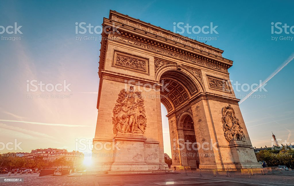Arc de Triomphe at dawn - Paris​​​ foto