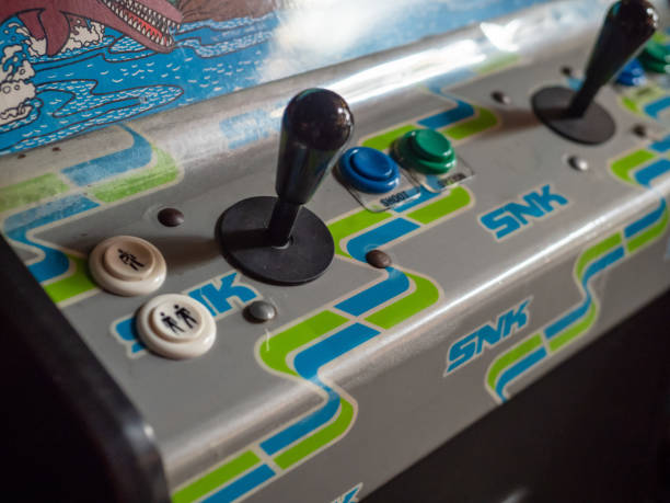 snk arcade-kabinett joystick und kontrollen - pinball spielen stock-fotos und bilder