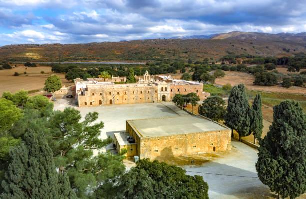 Arcadi Kloster auf Kreta Insel, Griechenland. Kirche Timios Stavros - Moni Arkadiou auf Griechisch. Es ist eine venezianische Barockkirche. – Foto