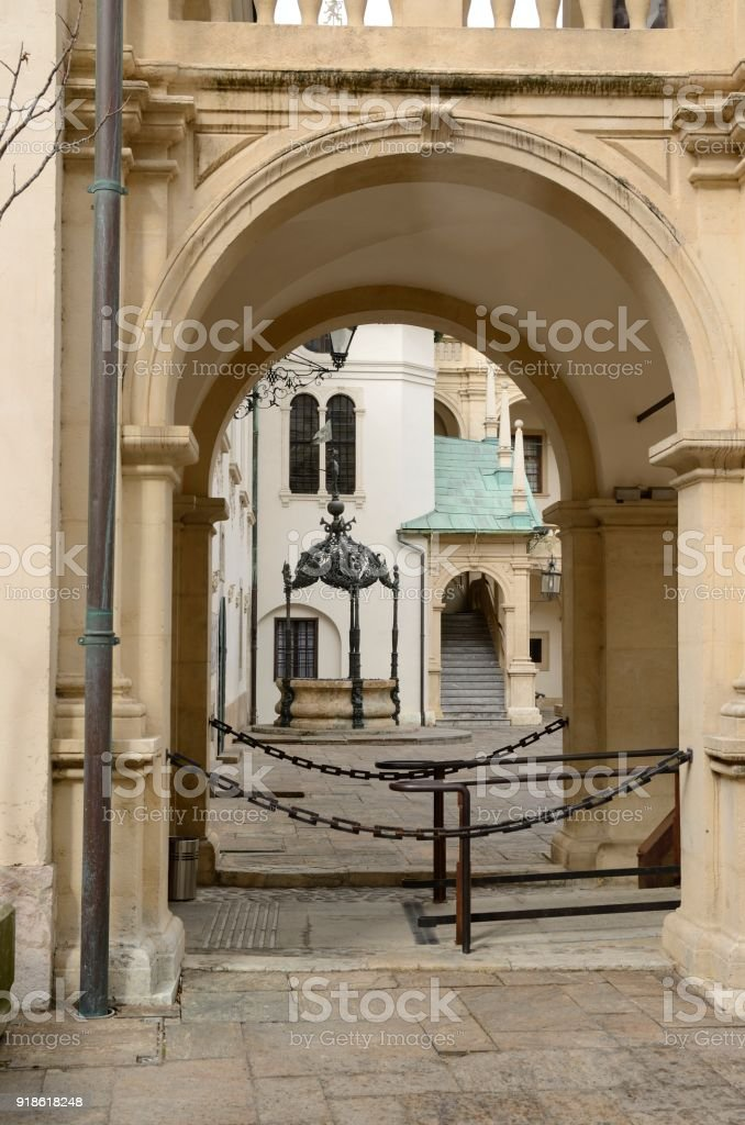 Arco En Landhaus Patio Fotografía De Stock Y Más Imágenes De Aire
