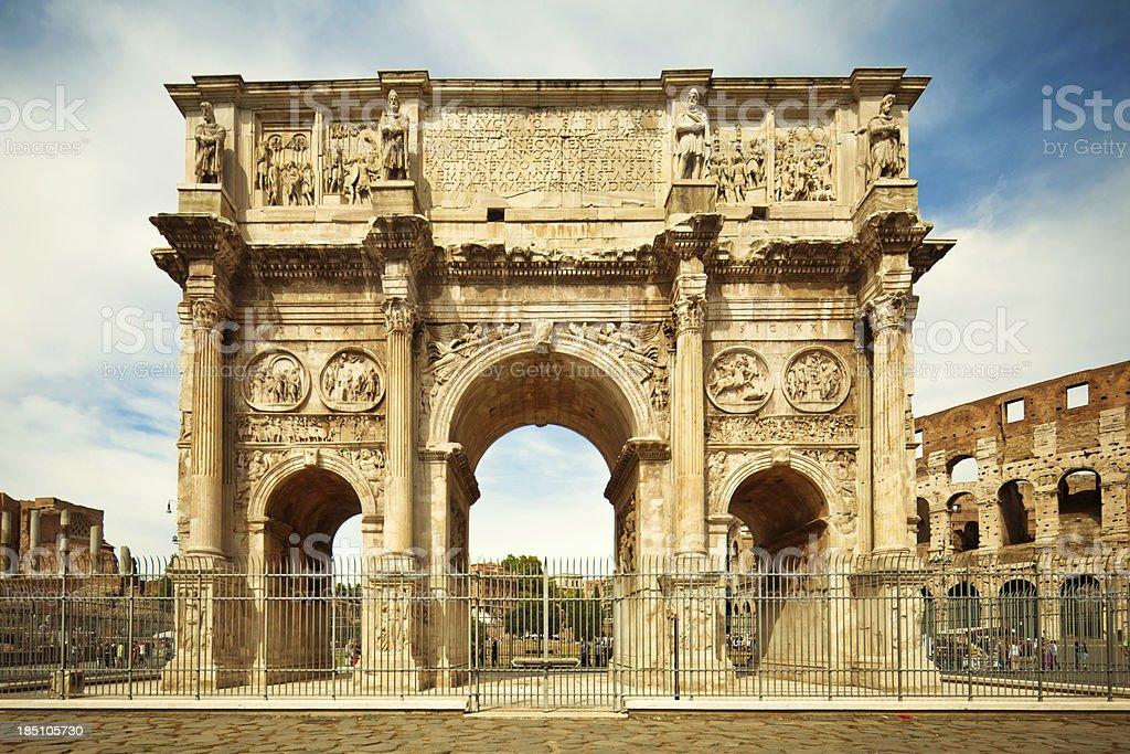 Arco de Constantino em Roma - foto de acervo