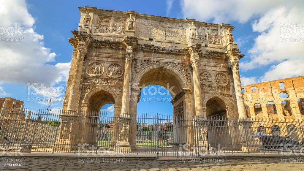 Arco de Constantino Roma - foto de acervo