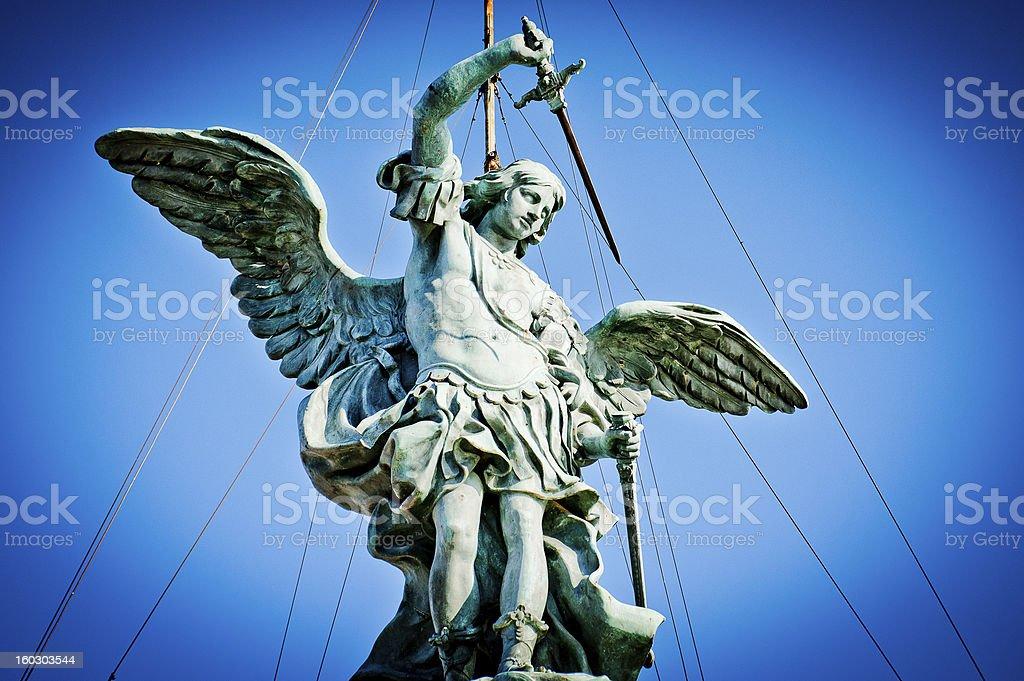Archange Michel un haut de Castel Sant