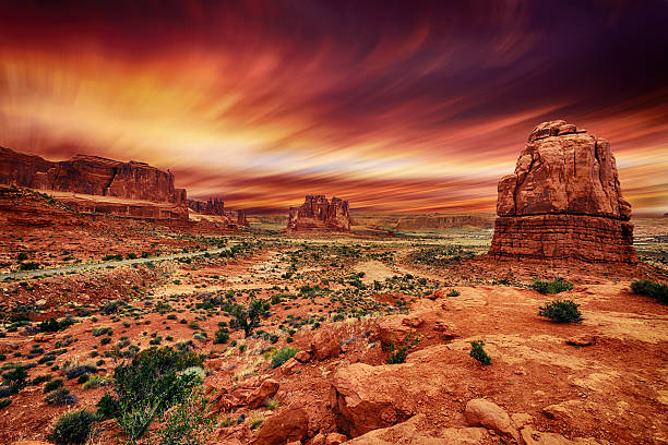 arches national park at sunset - arches national park stockfoto's en -beelden