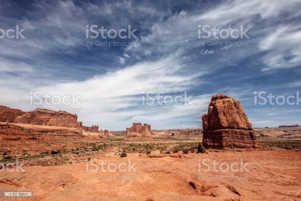 Arches National Park Landscape - Fotografias de stock e mais imagens de Ambiente dramático