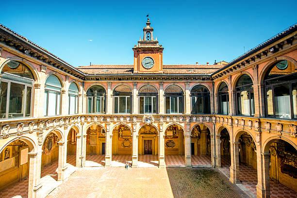 archiginnasio of bologna - bolonia zdjęcia i obrazy z banku zdjęć