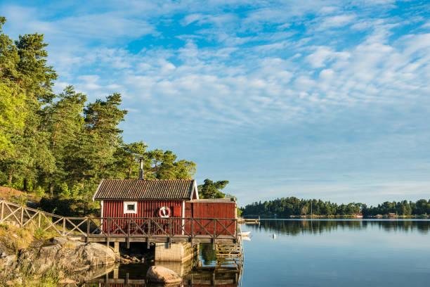 archipelago on the baltic sea coast in sweden - szwecja zdjęcia i obrazy z banku zdjęć
