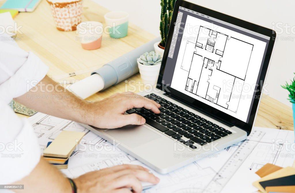 Architekten arbeiten mit Laptop cad – Foto