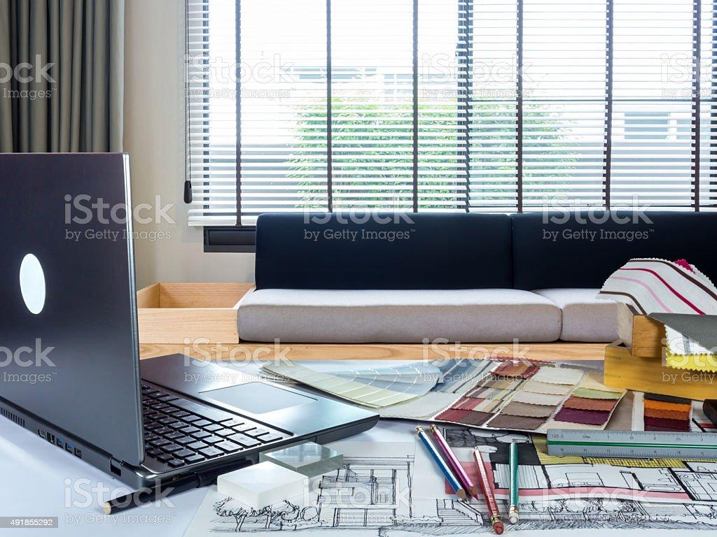 Architetti interior designer al lavoro tavolo in ufficio moderno fotografie stock e altre - Offerte lavoro interior designer roma ...