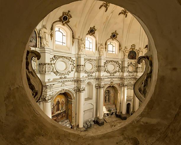 architectural detail: chiesa di santa chiara, noto sicily, italy - noto sicilië stockfoto's en -beelden