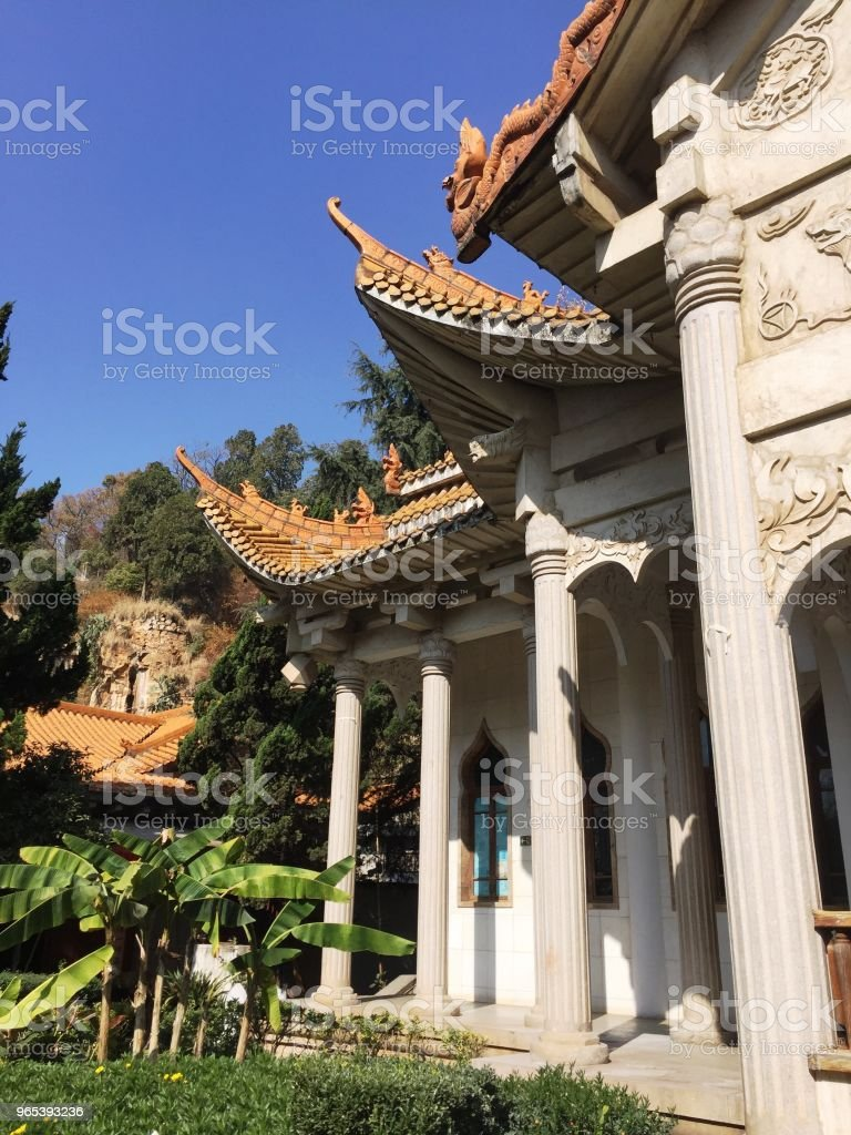 Architectural details of the Buddhist Temple (Kunming, Yunnan, China) zbiór zdjęć royalty-free