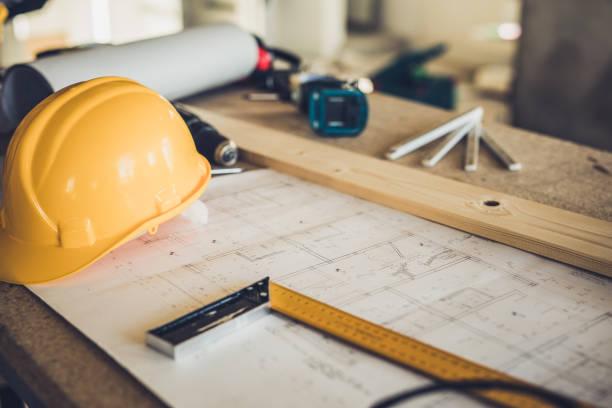 peralatan arsitektur di lokasi konstruksi! - desain rumah potret stok, foto, & gambar bebas royalti