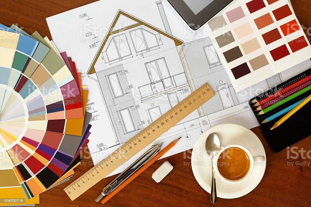 Architektonische Fassade Malen, zwei Farbe Farbpalette Leitfaden, Bleistifte ein – Foto