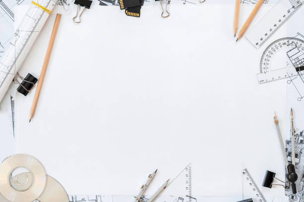 建築計画、鉛筆と定規テーブルの上。あなたのテキストのための場所 - 建築家 ストックフォトと画像