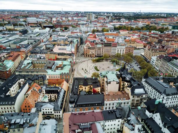 arkitektur och urban street i centrum-malmö city square - malmö bildbanksfoton och bilder
