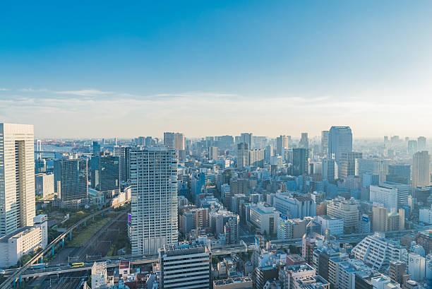 architecture et bâtiments de la ville de tokyo au japon ligne d'horizon - lieu générique photos et images de collection