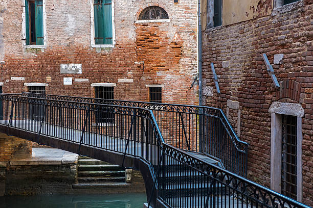 arquitectura detallada en venecia, italia - carlosanchezpereyra fotografías e imágenes de stock