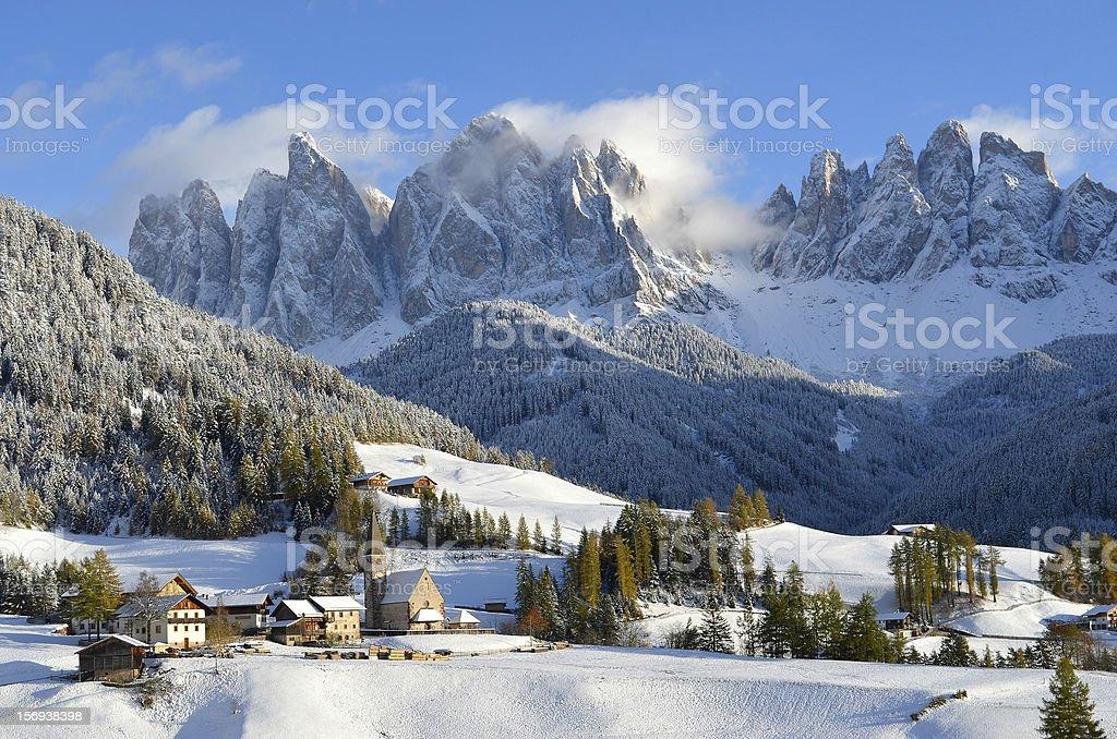 Architektur in Italien vor einem mountain – Foto