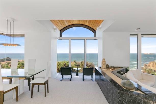 Architektur: Interior of waterfront California home. – Foto