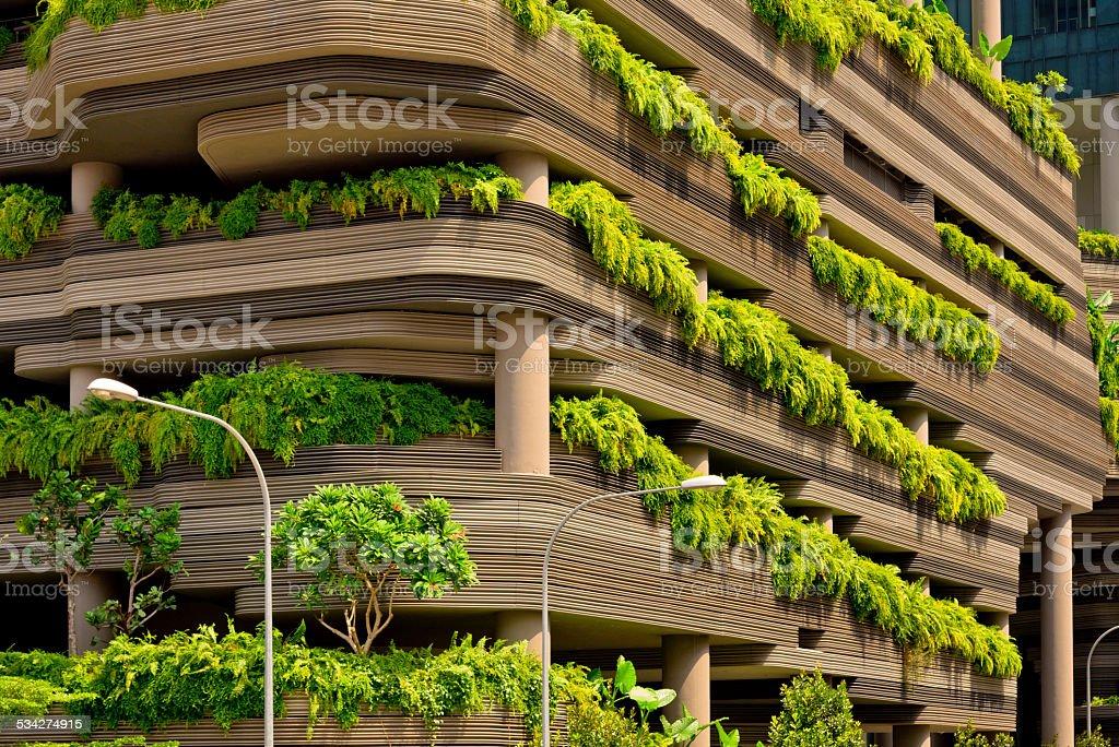 Architettura Con Piante Verdi Terrazze In Città Di Singapore ...