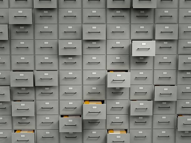 Armários de arquivo com pastas - foto de acervo