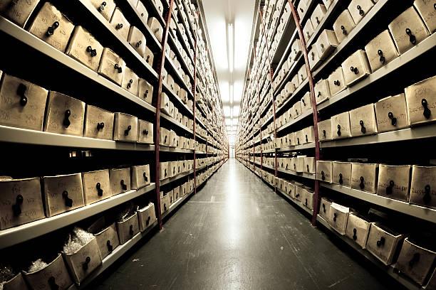 archive - keller organisieren stock-fotos und bilder
