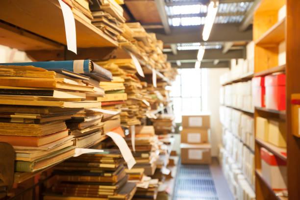 armazenamento de arquivos, documentos antigos - foto de acervo