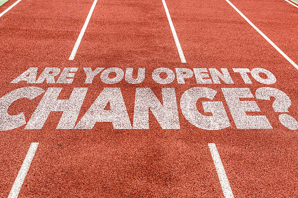 sind sie offen für veränderungen? geschrieben auf der laufstrecke - motivationsfitness zitate stock-fotos und bilder