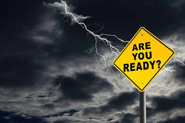 вы готовы подписать с матовыми и подачей небо - lightning стоковые фото и изображения