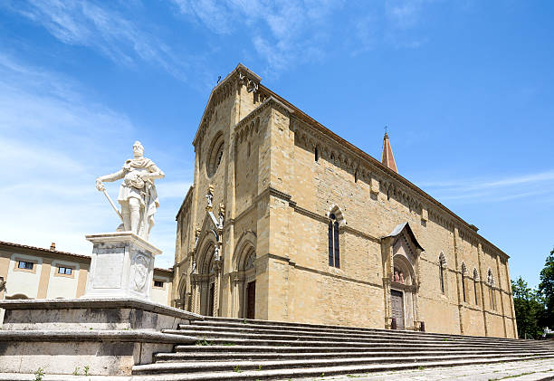 Arezzo Cathedral, Tuscany Italy Statue of Ferdinando I de' Medici in Arezzo, Tuscany Italy arezzo stock pictures, royalty-free photos & images