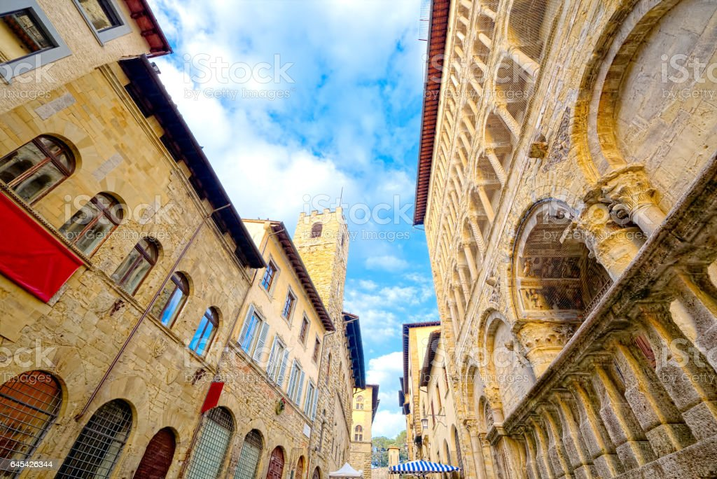 Arezzo main course of history and art - foto stock