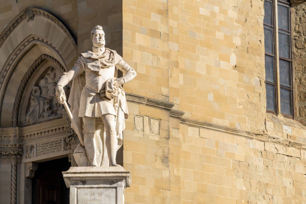 Arezzo, Tuscany, Italy, Statue of grand duke of Tuscany, Ferdinando I de Medici Arezzo, Tuscany, Italy, Statue of grand duke of Tuscany, Ferdinando I de Medici, Monumental statue erected in 1594. arezzo stock pictures, royalty-free photos & images