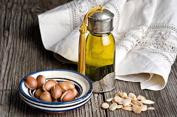 Olio di Argan e frutta - foto stock