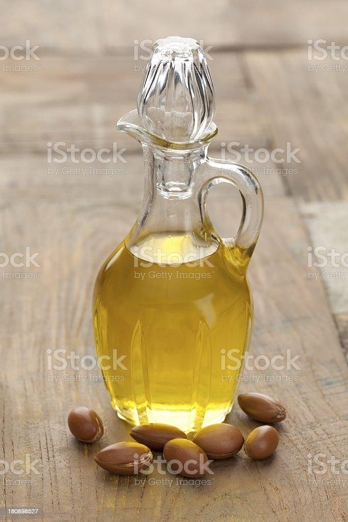 Argan aceite y tuercas - foto de stock