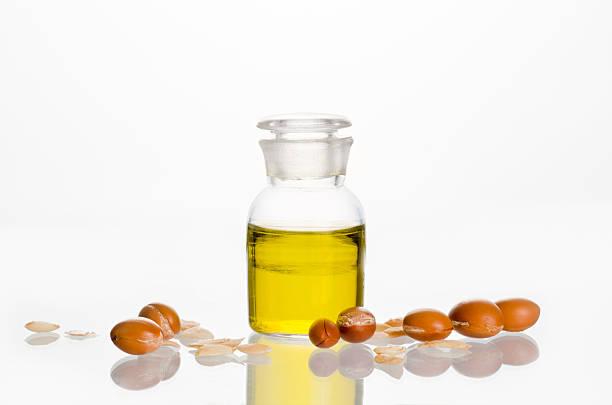 Olio di Argan con frutta - foto stock