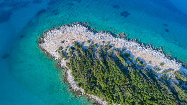 Arialblick auf eine Küste in Kroatien – Foto
