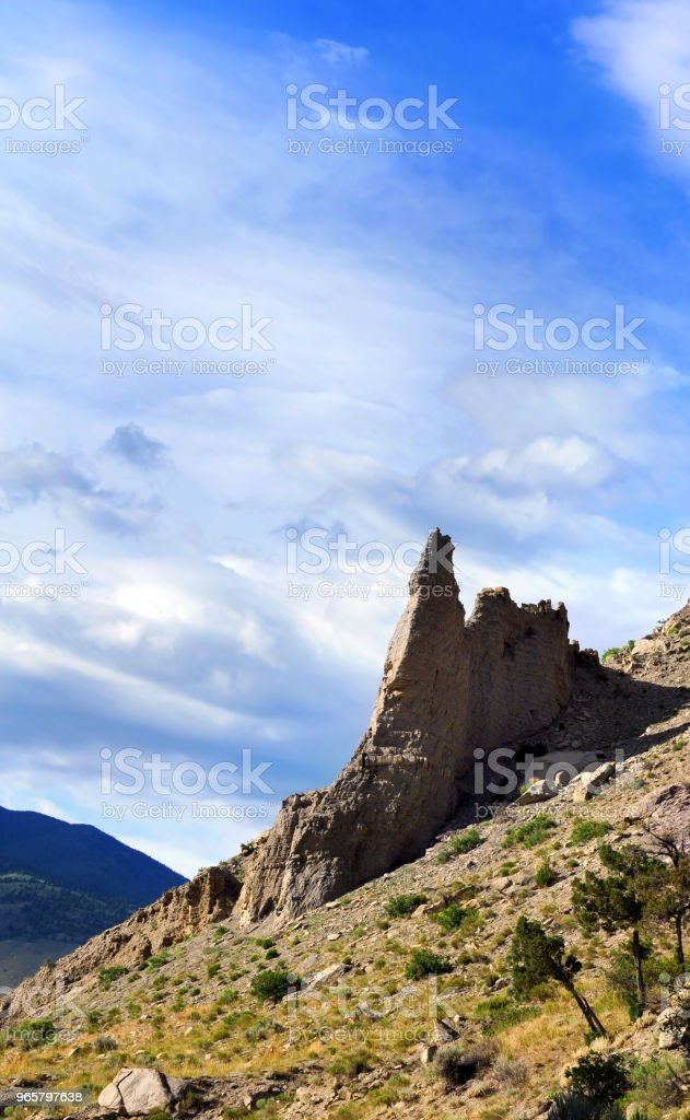 Arid berghelling in Yellowstone - Royalty-free Berg Stockfoto