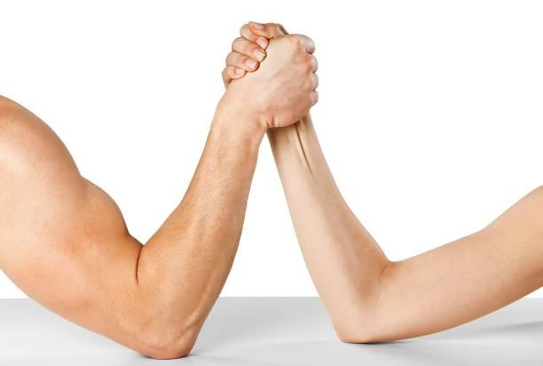 arm. - armdrücken stock-fotos und bilder