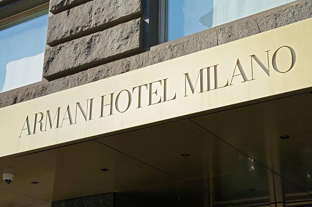 armani hotel in mailand, italien - hotel mailand stock-fotos und bilder