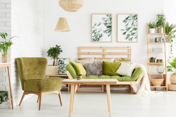 fauteuil in de woonkamer floral - interior design stockfoto's en -beelden