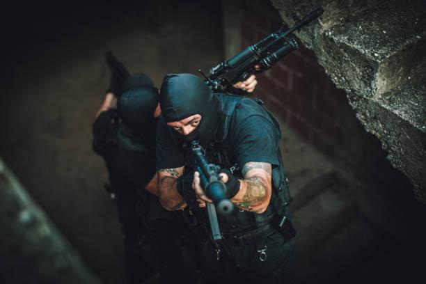 streitkräfte in aktion - wächter tattoo stock-fotos und bilder