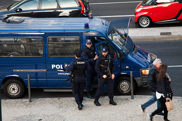Armed police in Lissabon, Portugal – Foto