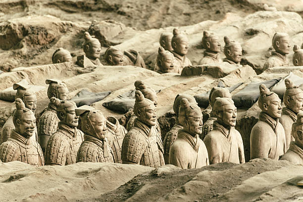 Army of the Terracotta Warriors in Xian, China Clay statues of Chinese Qin dynasty soldiers  ancient civilization stock pictures, royalty-free photos & images