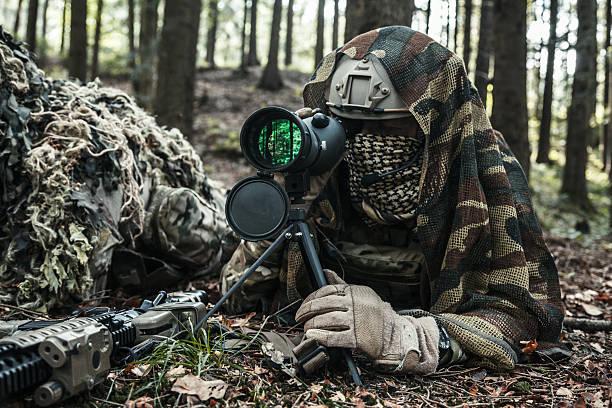 army rangers sniper pair - flecktarn stock-fotos und bilder