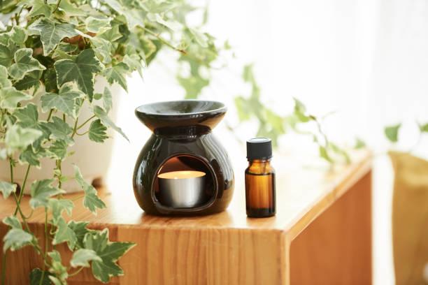 Aromalampe und ätherisches Öl – Foto