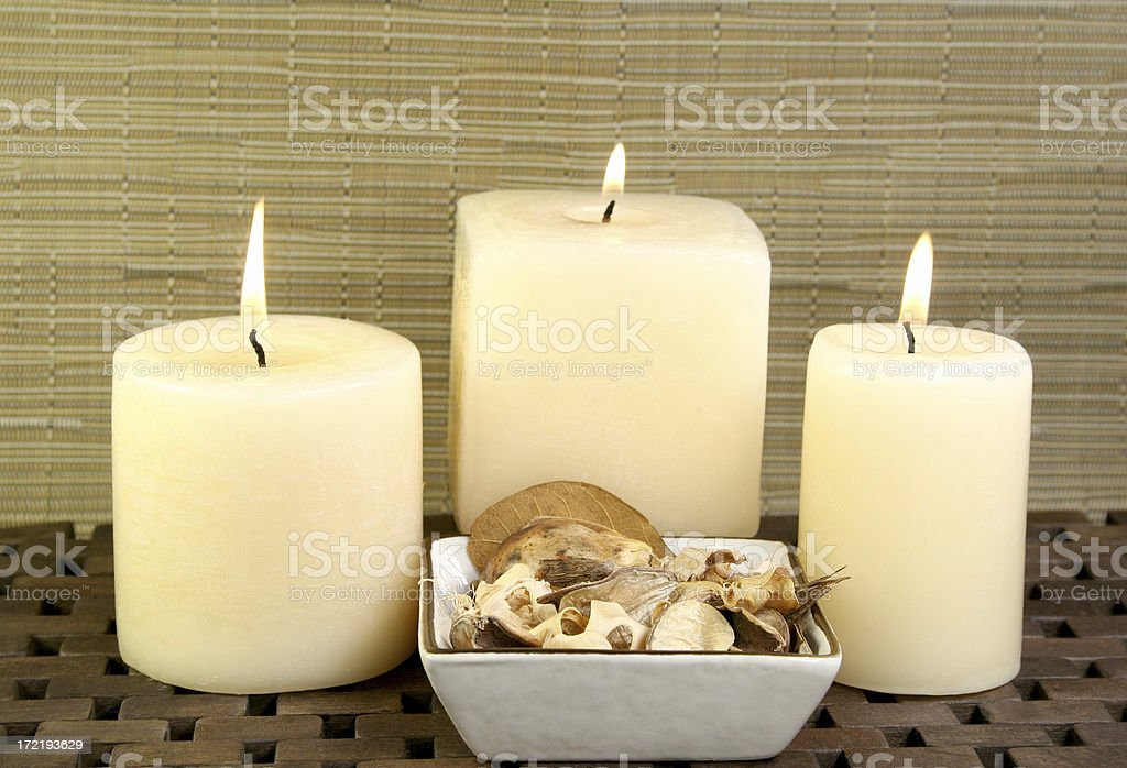 aromatherapy candles with dried flowers - Royalty-free Alternative Medicine Stock Photo
