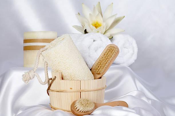 aromatherapie - peeling bürste stock-fotos und bilder