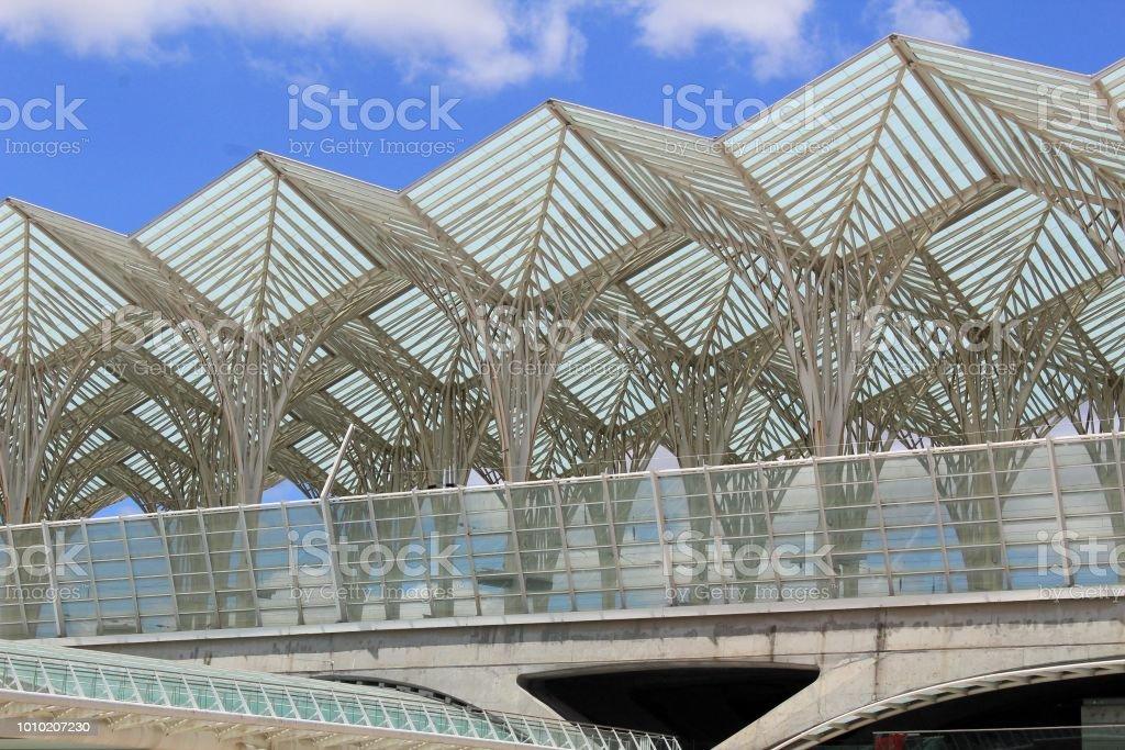 arquitectura moderna urbana stock photo