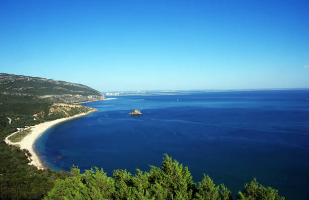 arrabida national park and beach of portinho - setubal imagens e fotografias de stock